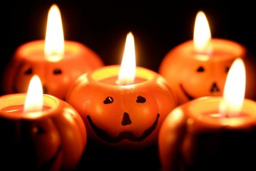 (c) Halloween